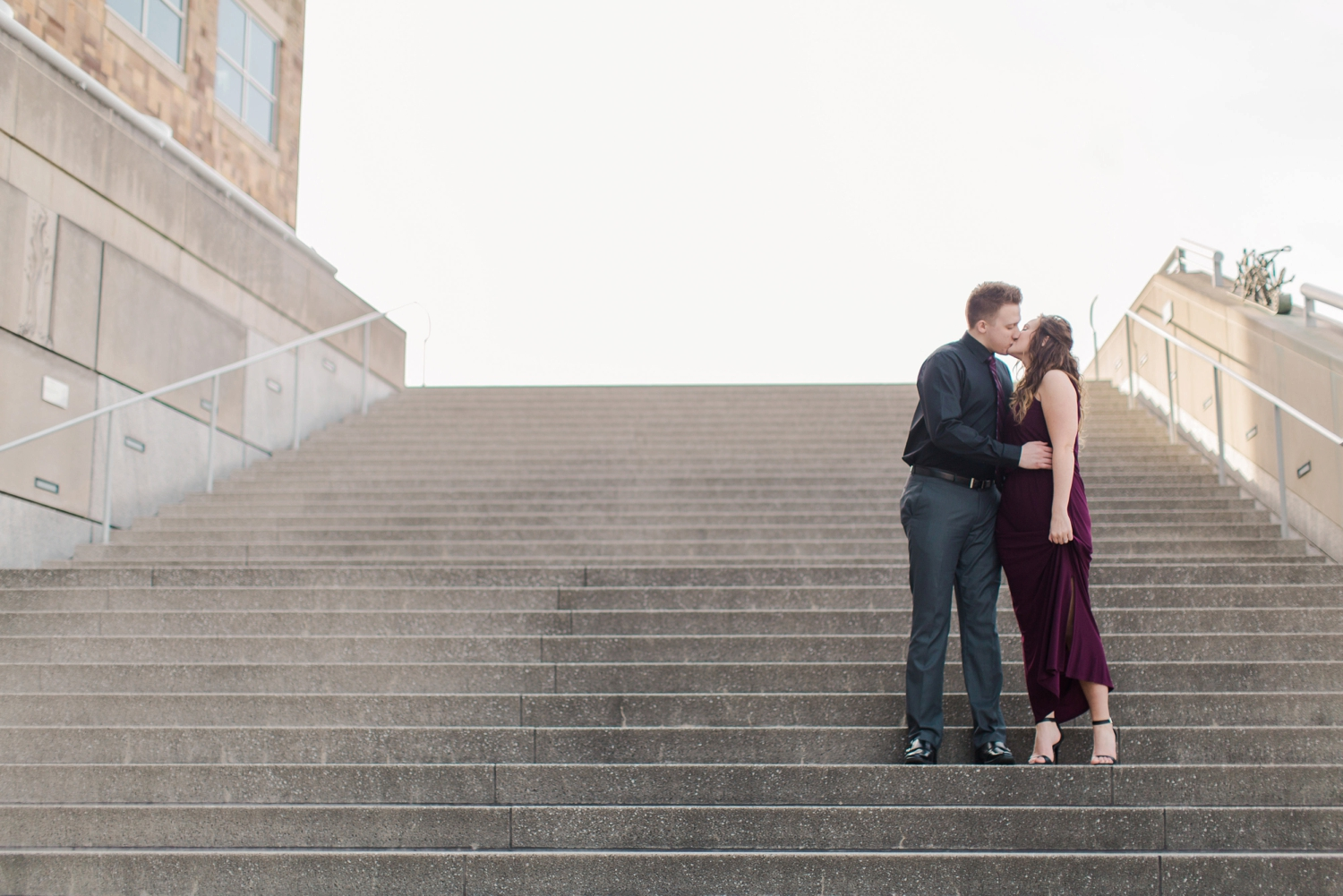 downtown-indianapolis-engagement-shoot_5947.jpg