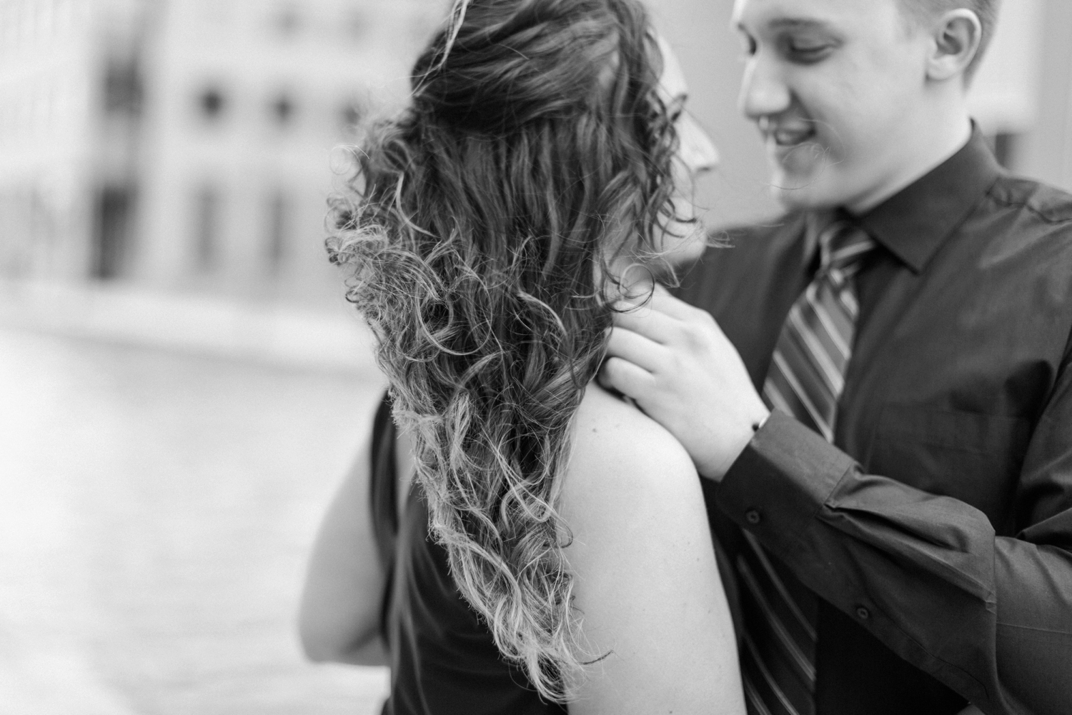 downtown-indianapolis-engagement-shoot_5964.jpg