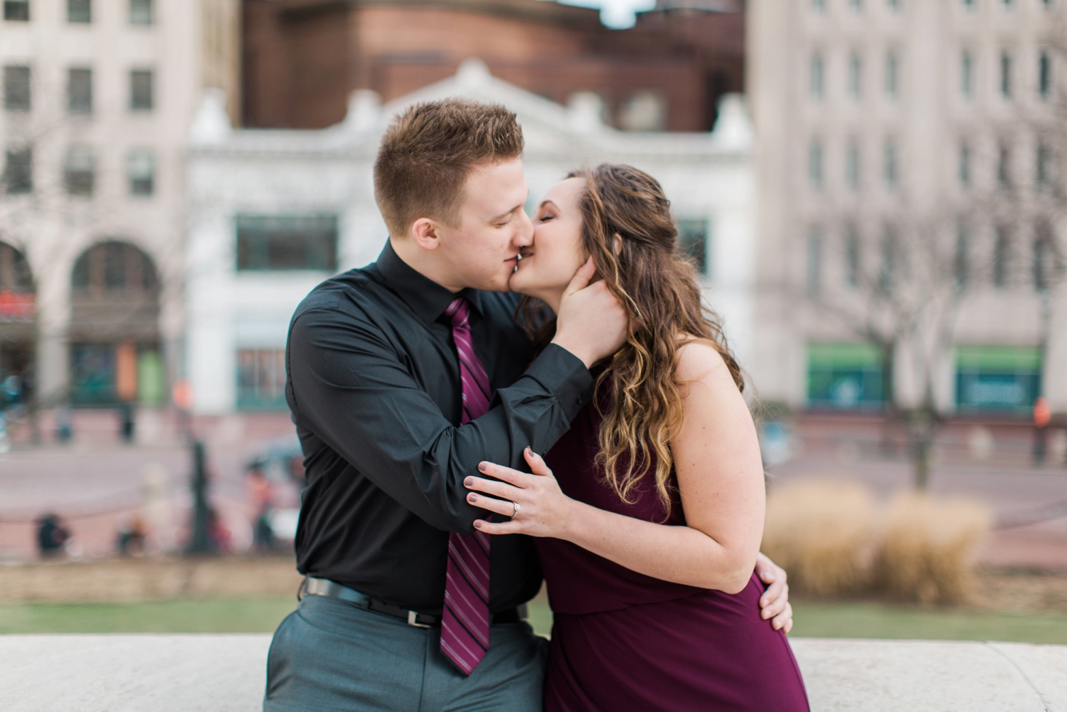 downtown-indianapolis-engagement-shoot_5973.jpg
