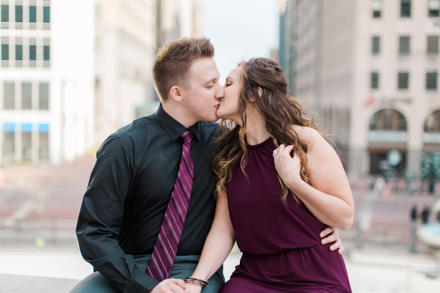 downtown-indianapolis-engagement-shoot_5977.jpg