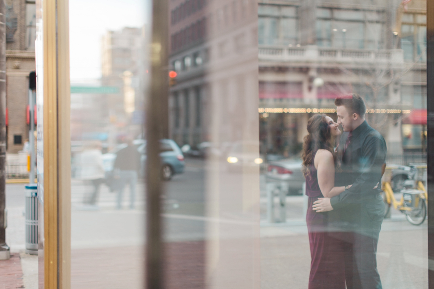 downtown-indianapolis-engagement-shoot_5987.jpg