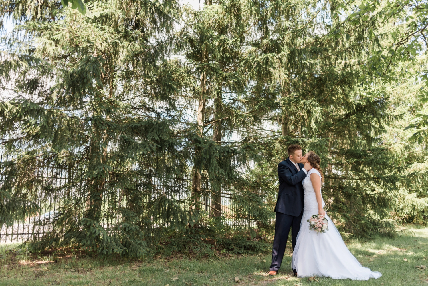 Community_Life_Center_Indianapolis_Indiana_Wedding_Photographer_Chloe_Luka_Photography_6904.jpg