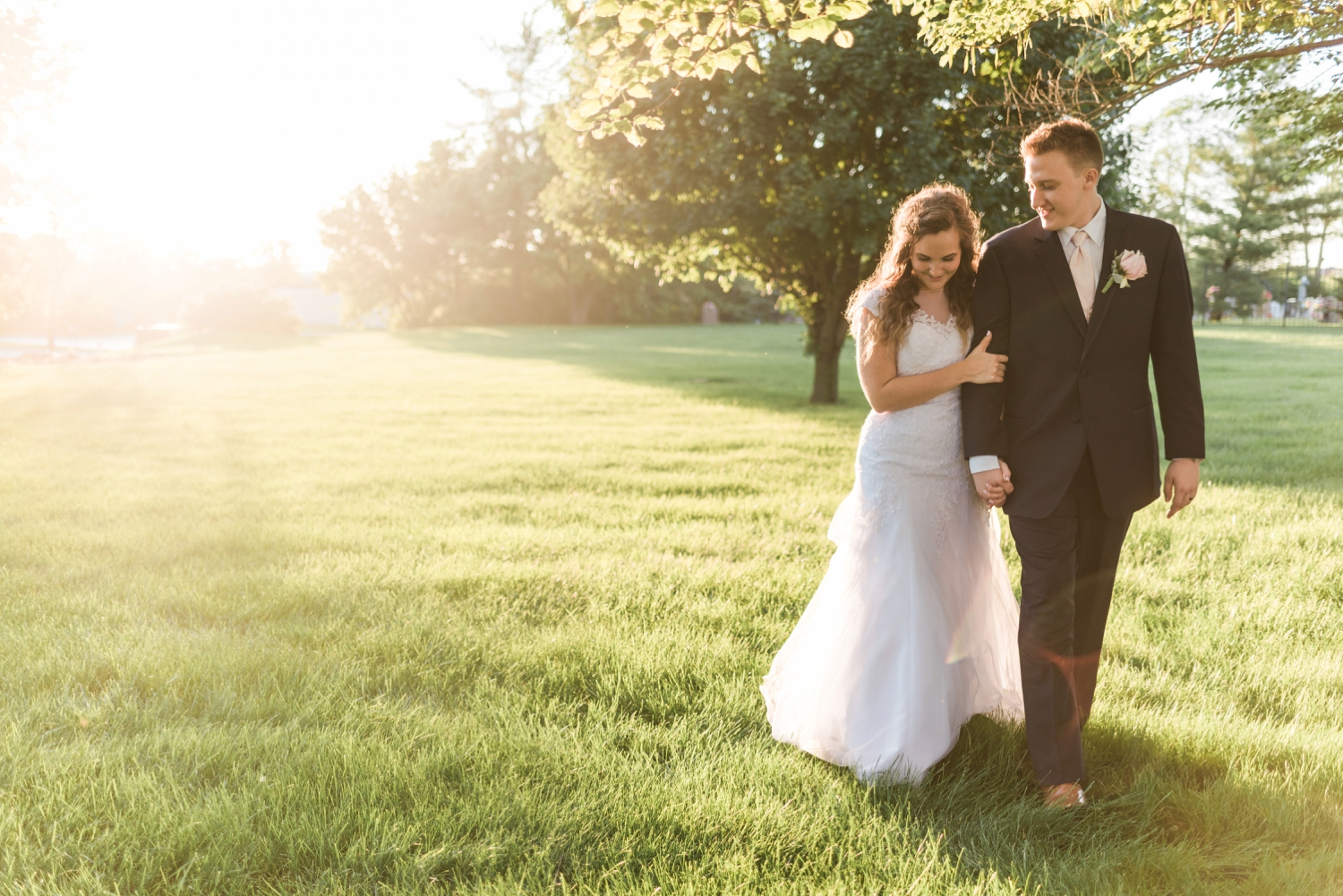 Community_Life_Center_Indianapolis_Indiana_Wedding_Photographer_Chloe_Luka_Photography_6997.jpg