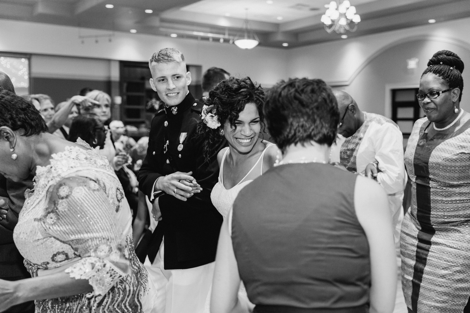 Wedding-at-The-Savannah-Center-West-Chester-Ohio-Photography-Chloe-Luka-Photography_7570.jpg