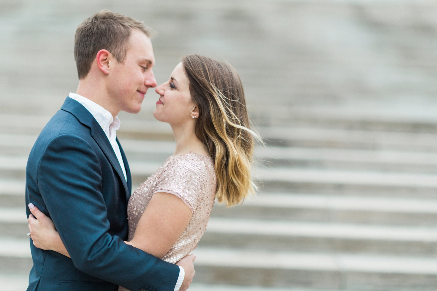 monument-circle-downtown-indianapolis-indiana-engagement-session_9452.jpg