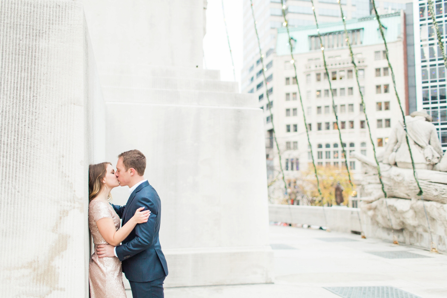 monument-circle-downtown-indianapolis-indiana-engagement-session_9462.jpg
