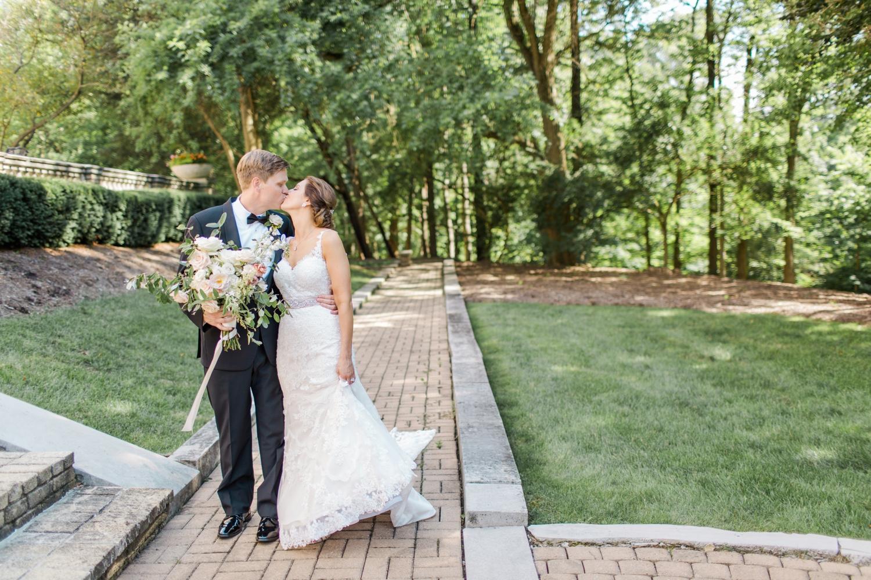 laurel-hall-wedding-indianapolis-indiana_0603.jpg