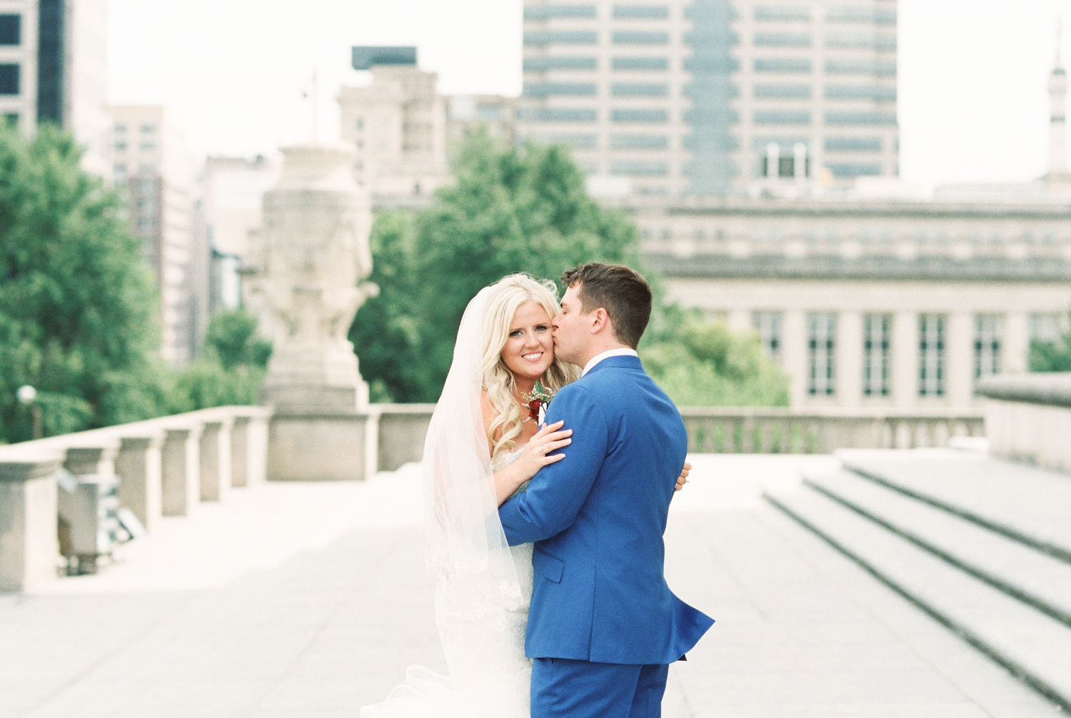 regions-tower-rooftop-wedding-downtown-indianapolis_0739.jpg
