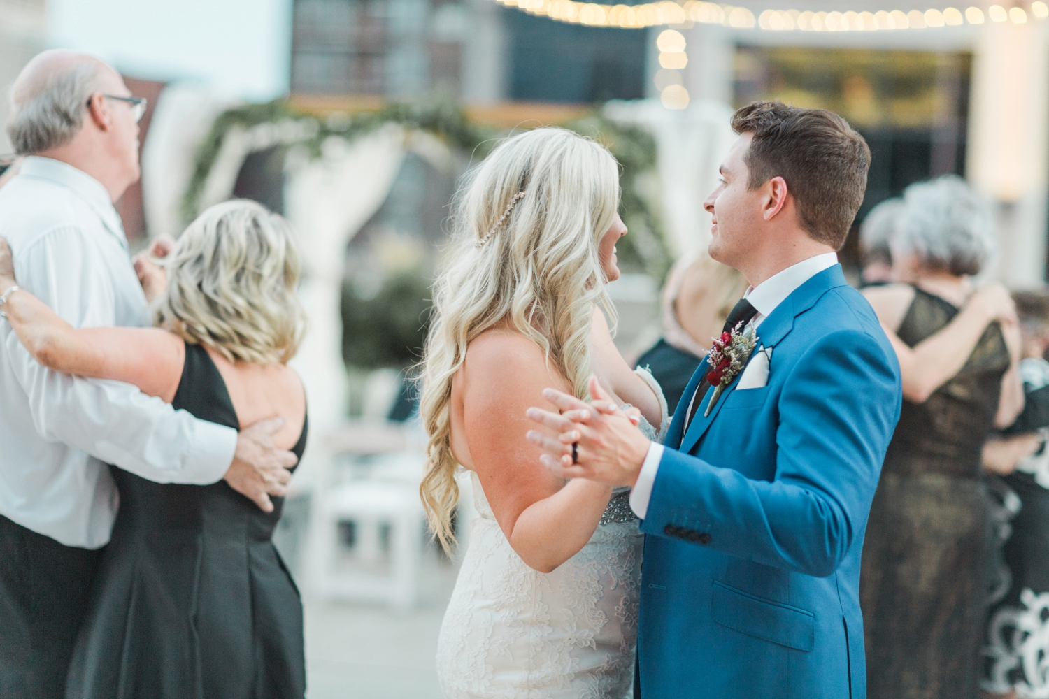 regions-tower-rooftop-wedding-downtown-indianapolis_0863.jpg