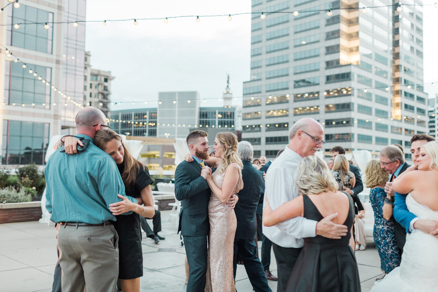 regions-tower-rooftop-wedding-downtown-indianapolis_0864.jpg