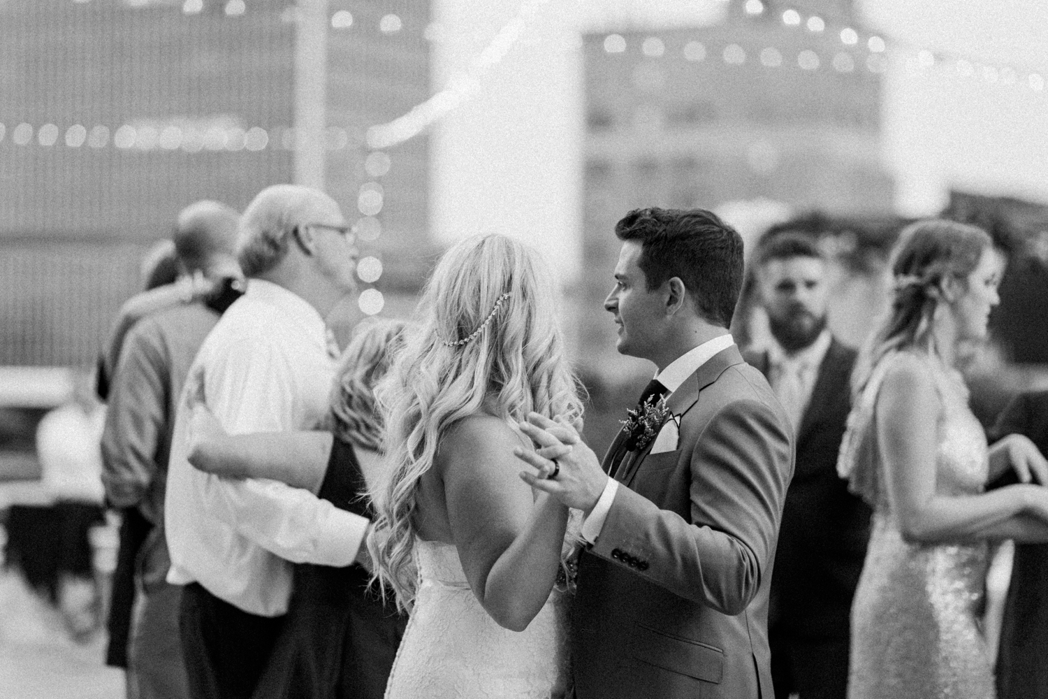regions-tower-rooftop-wedding-downtown-indianapolis_0865.jpg