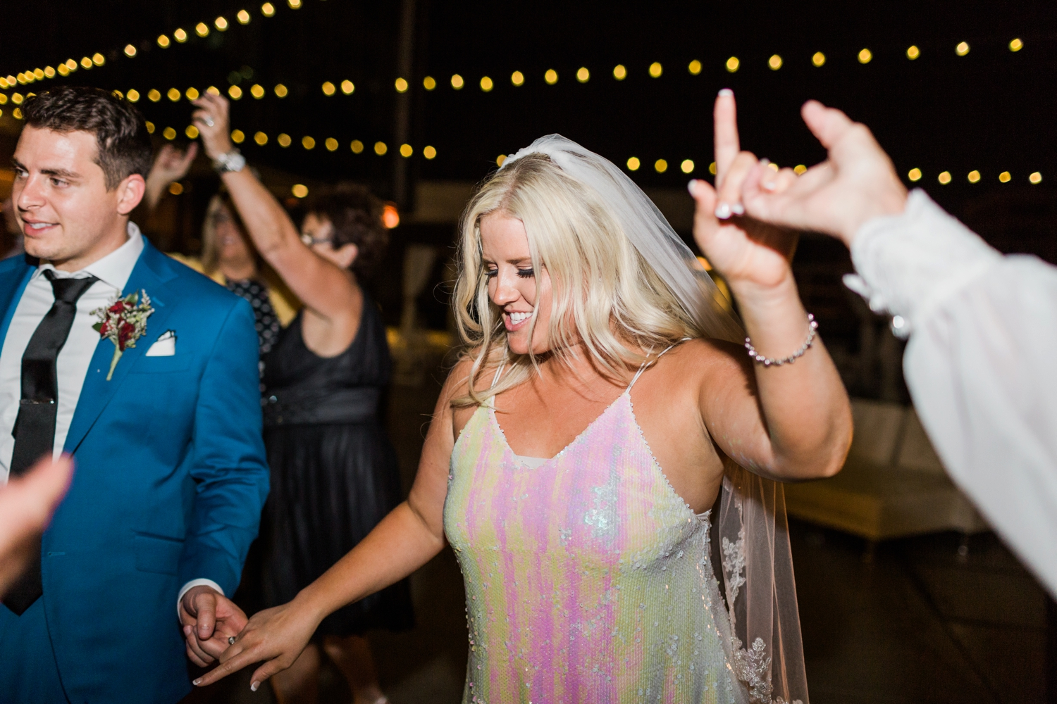 regions-tower-rooftop-wedding-downtown-indianapolis_0874.jpg