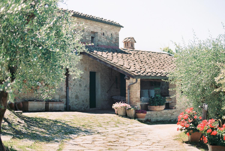 fine-art-film-tuscany-italy-wedding-photographer_2939.jpg
