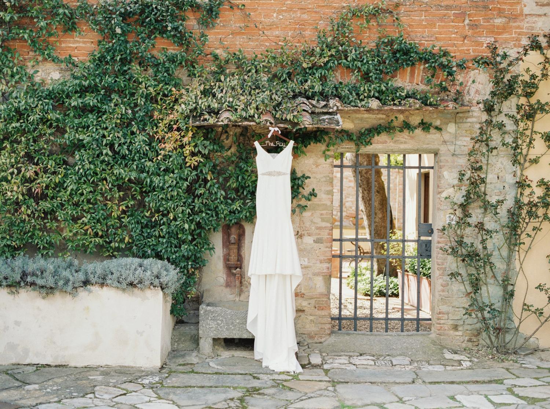 fine-art-film-florence-italy-wedding-photographer-villa-medicea-di-lilliano_3146.jpg