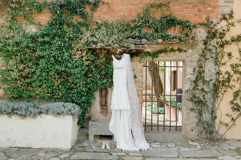fine-art-film-florence-italy-wedding-photographer-villa-medicea-di-lilliano_3170.jpg