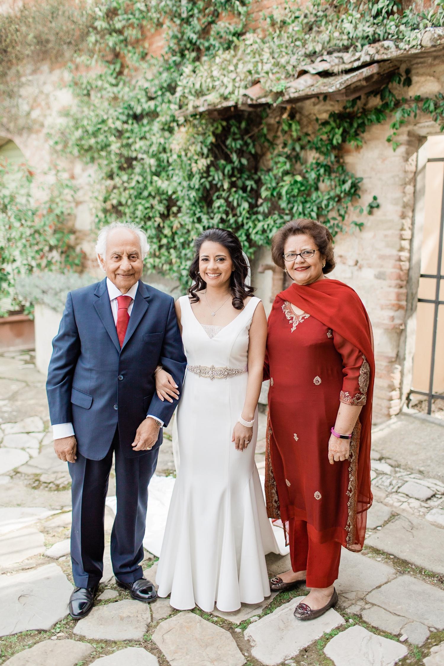 fine-art-film-florence-italy-wedding-photographer-villa-medicea-di-lilliano_3184.jpg