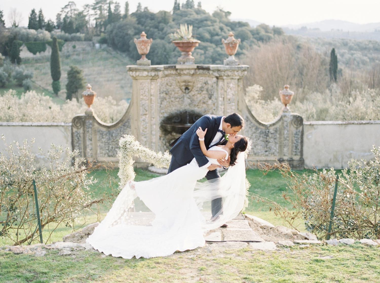 fine-art-film-florence-italy-wedding-photographer-villa-medicea-di-lilliano_3267.jpg