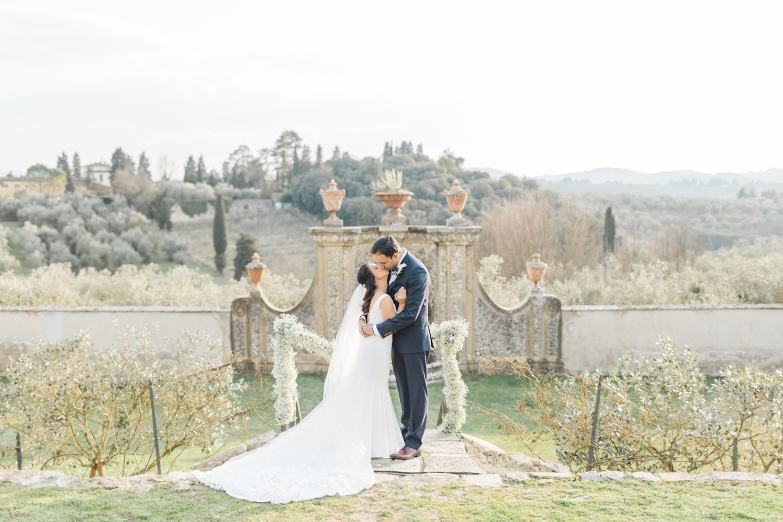 fine-art-film-florence-italy-wedding-photographer-villa-medicea-di-lilliano_3269.jpg