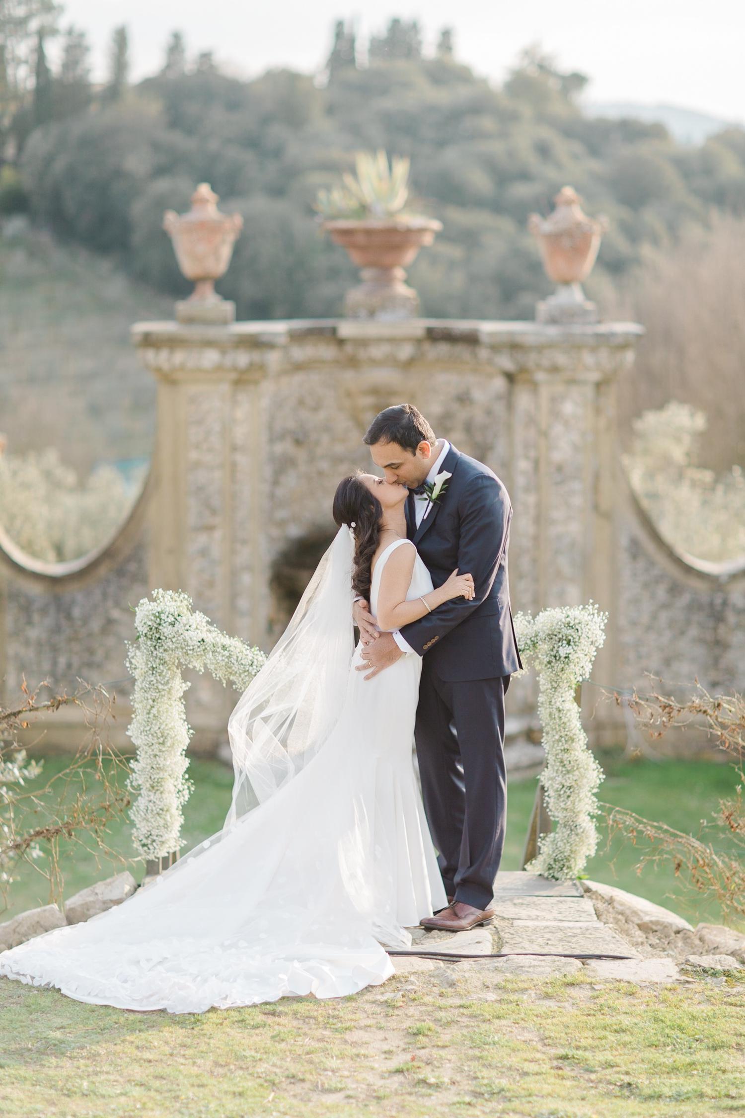 fine-art-film-florence-italy-wedding-photographer-villa-medicea-di-lilliano_3276.jpg