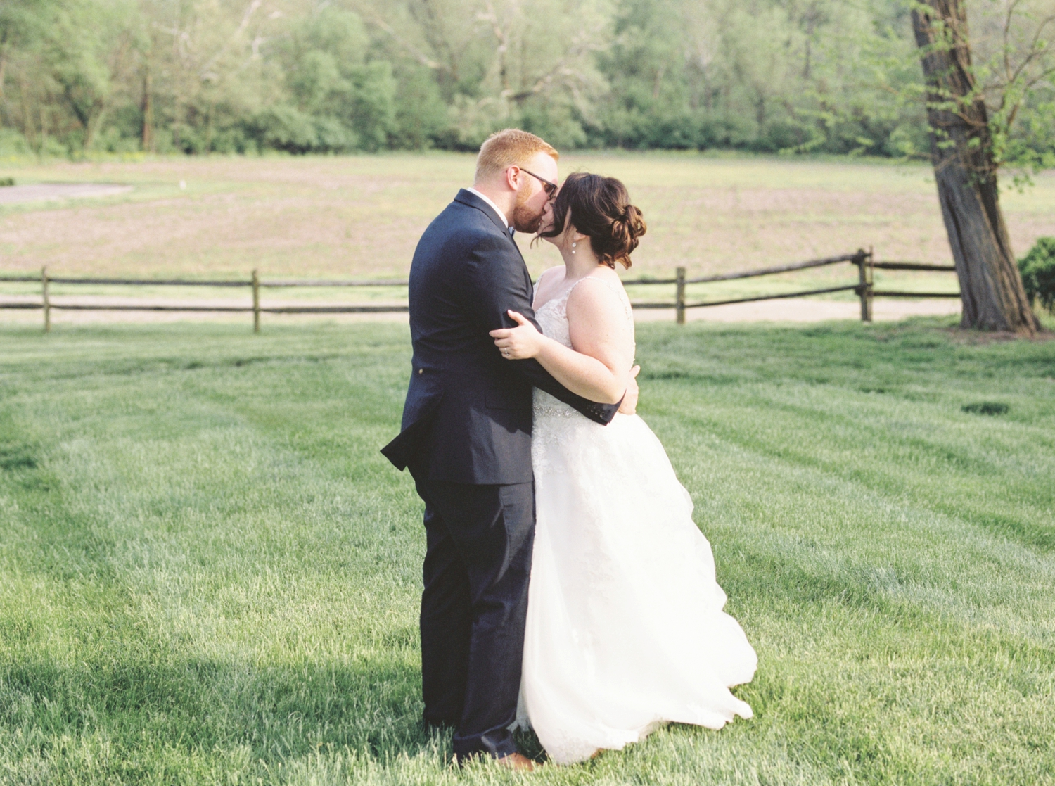 fine-art-film-simon-kenton-inn-ohio-wedding_3682.jpg