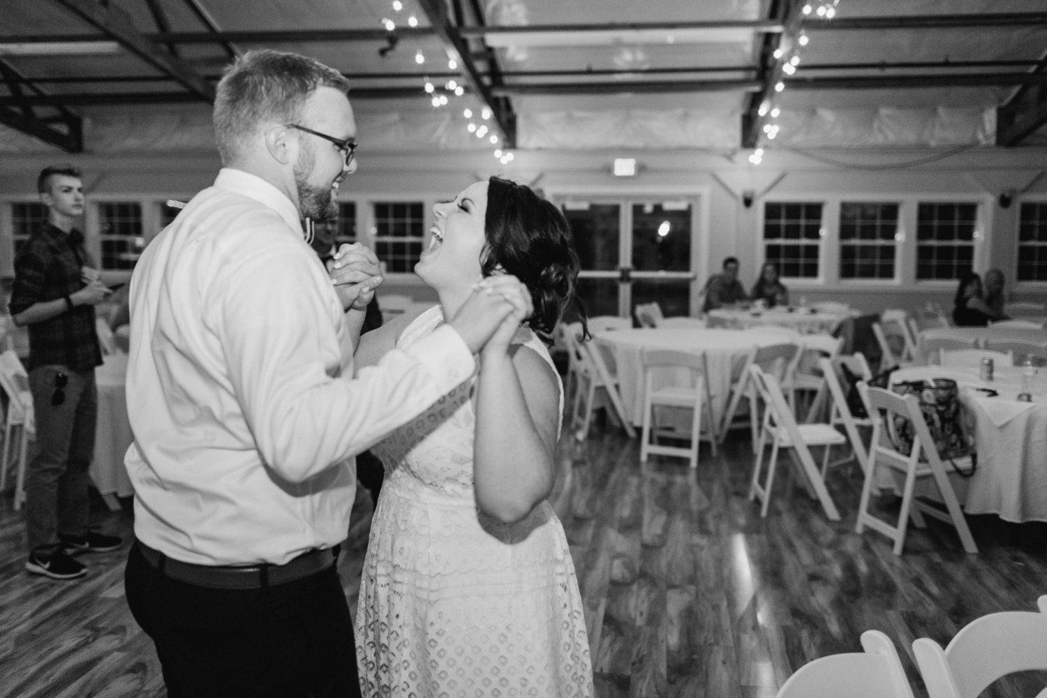 fine-art-film-simon-kenton-inn-ohio-wedding_3710.jpg