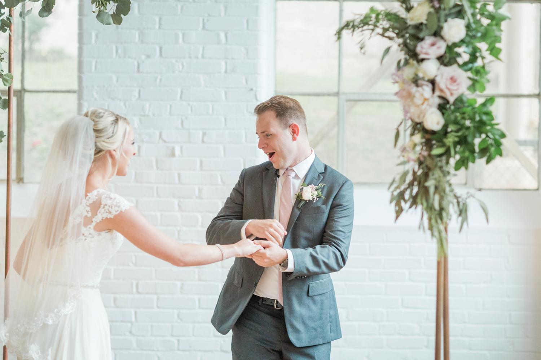 southern-bleachery-greenville-south-carolina-wedding-photography_3767.jpg