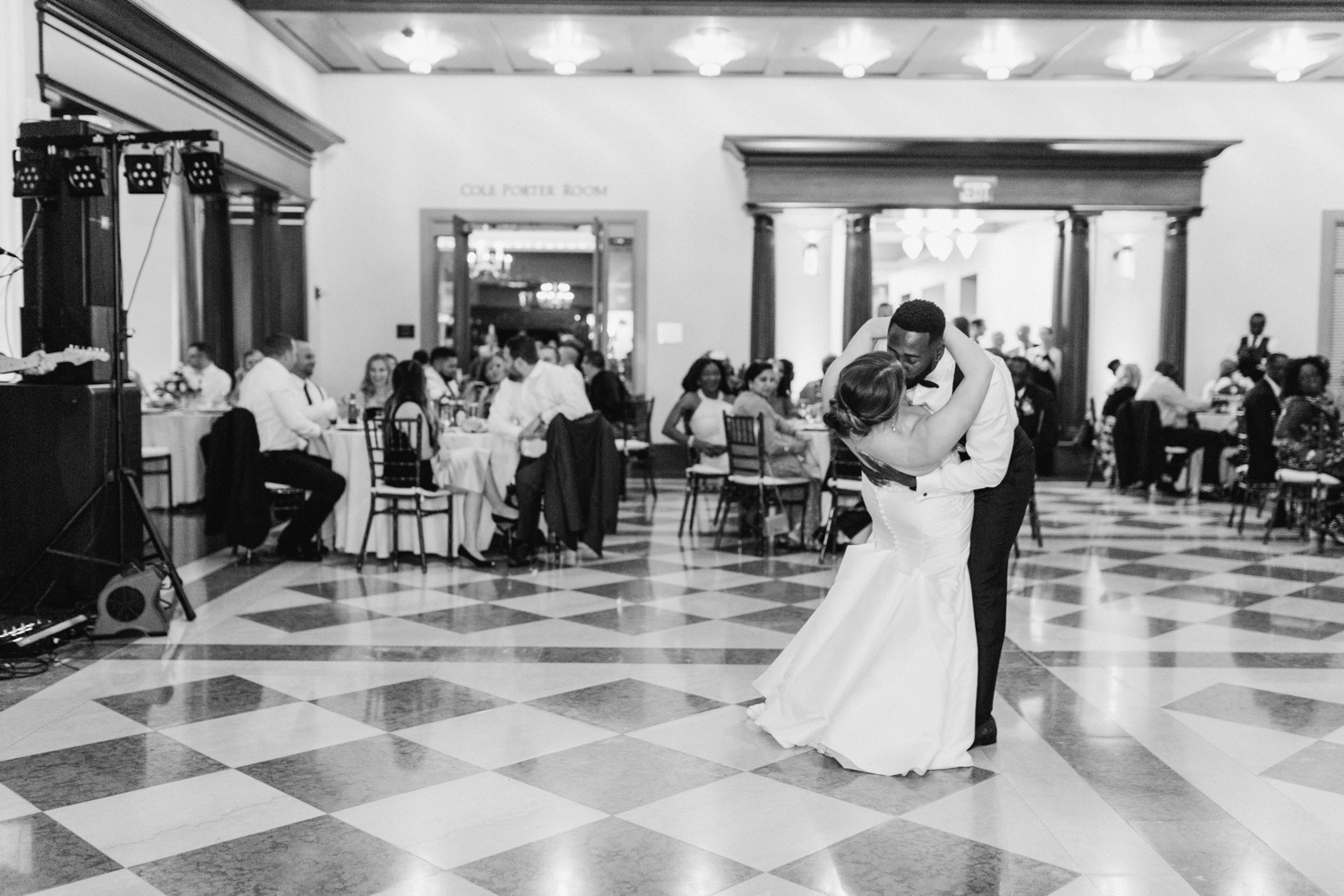 downtown-indianapolis-wedding-photographer-indiana-historical-society_4464.jpg