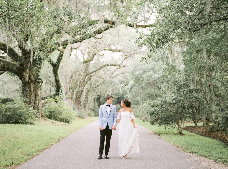Charleston-South-Carolina-Beautiful-Film-Wedding-Photographer-Magnolia-Plantation-and-Gardens-Wedding-Photos_5132.jpg
