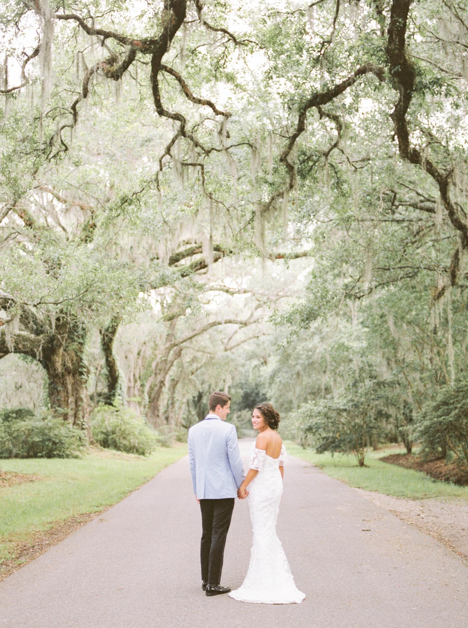 Charleston-South-Carolina-Beautiful-Film-Wedding-Photographer-Magnolia-Plantation-and-Gardens-Wedding-Photos_5143.jpg