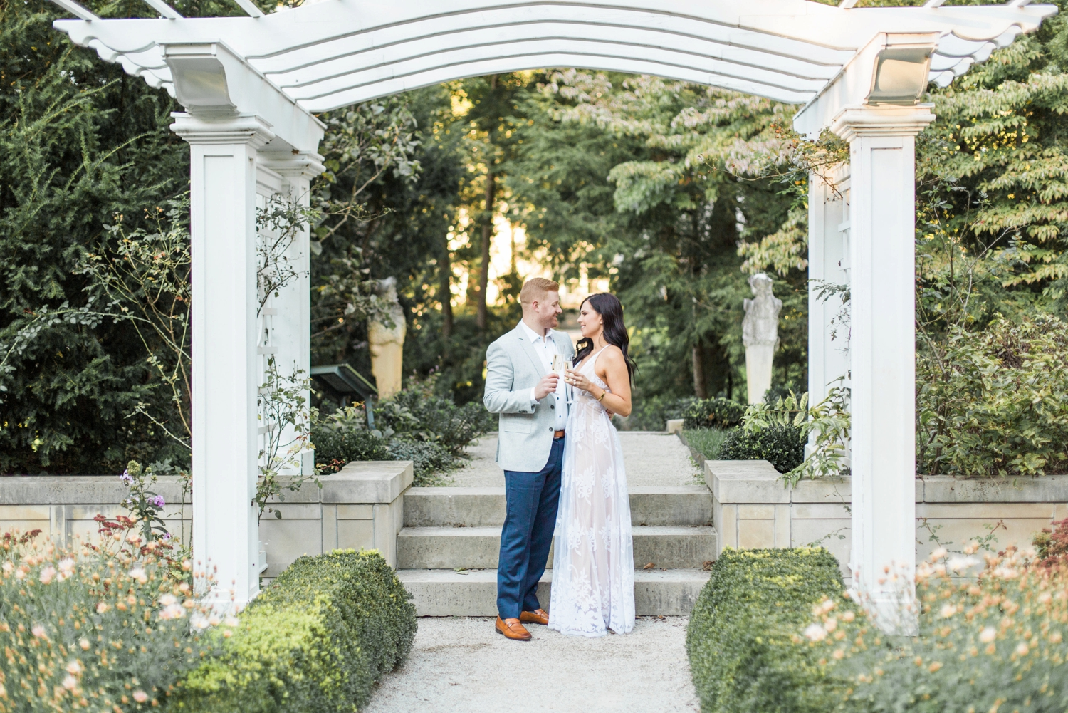 Indianapolis-Indiana-Engagement-Photographer-Newfields-Wedding-Photography_5228.jpg