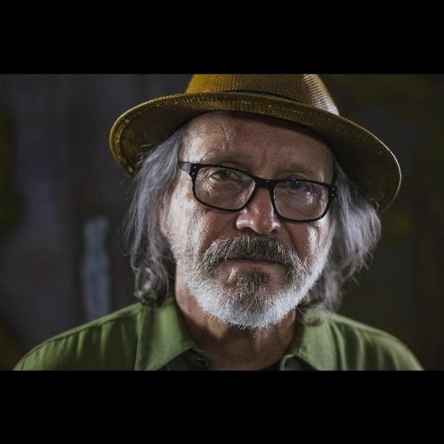 Nos gustaría compartir los retratos que nuestro cineasta Fernando hizo en Puerto Rico. Gracias a Elizam Escobar por su tiempo y sus palabras! #tonobicicleta #documentary #portrait #puertorico #zeiss