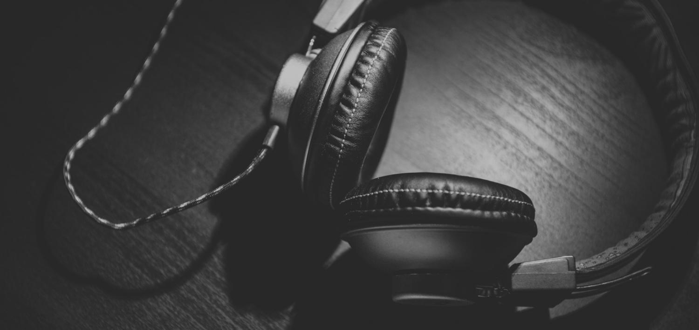 headphones_podcast