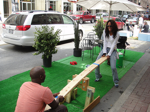Example of Park(ing) Day installation. (Photo: www.parkingdaydallas.org)