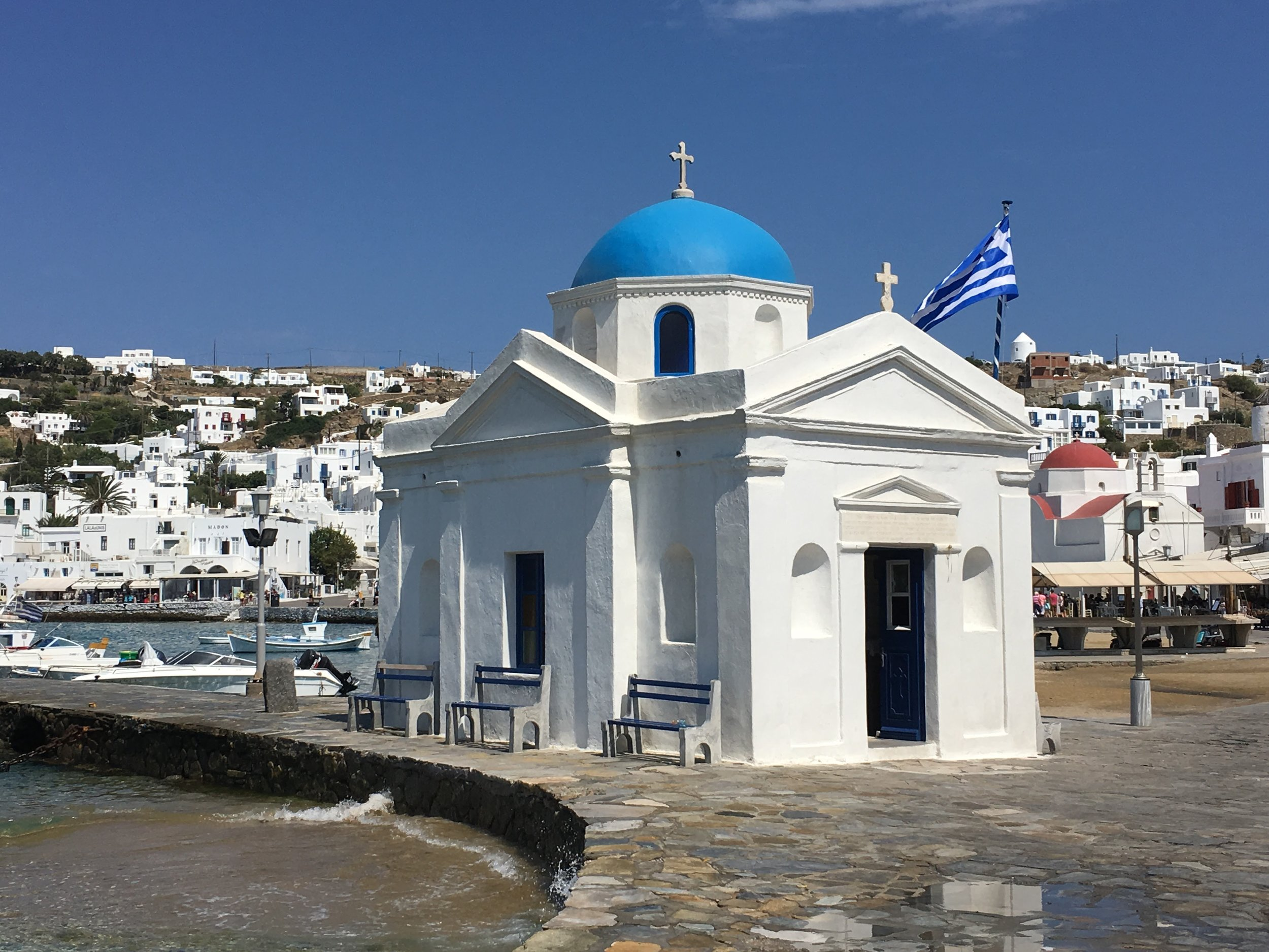 one of the many chapels of mykonos