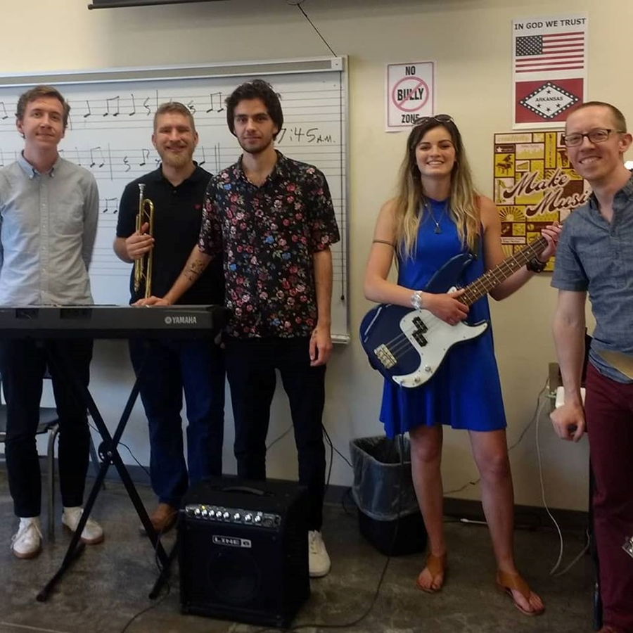 Chris Teal recently led a group of University of Arkansas music students on a series of performance workshops as part of the U of A's Music75 project.  Read more about it here.