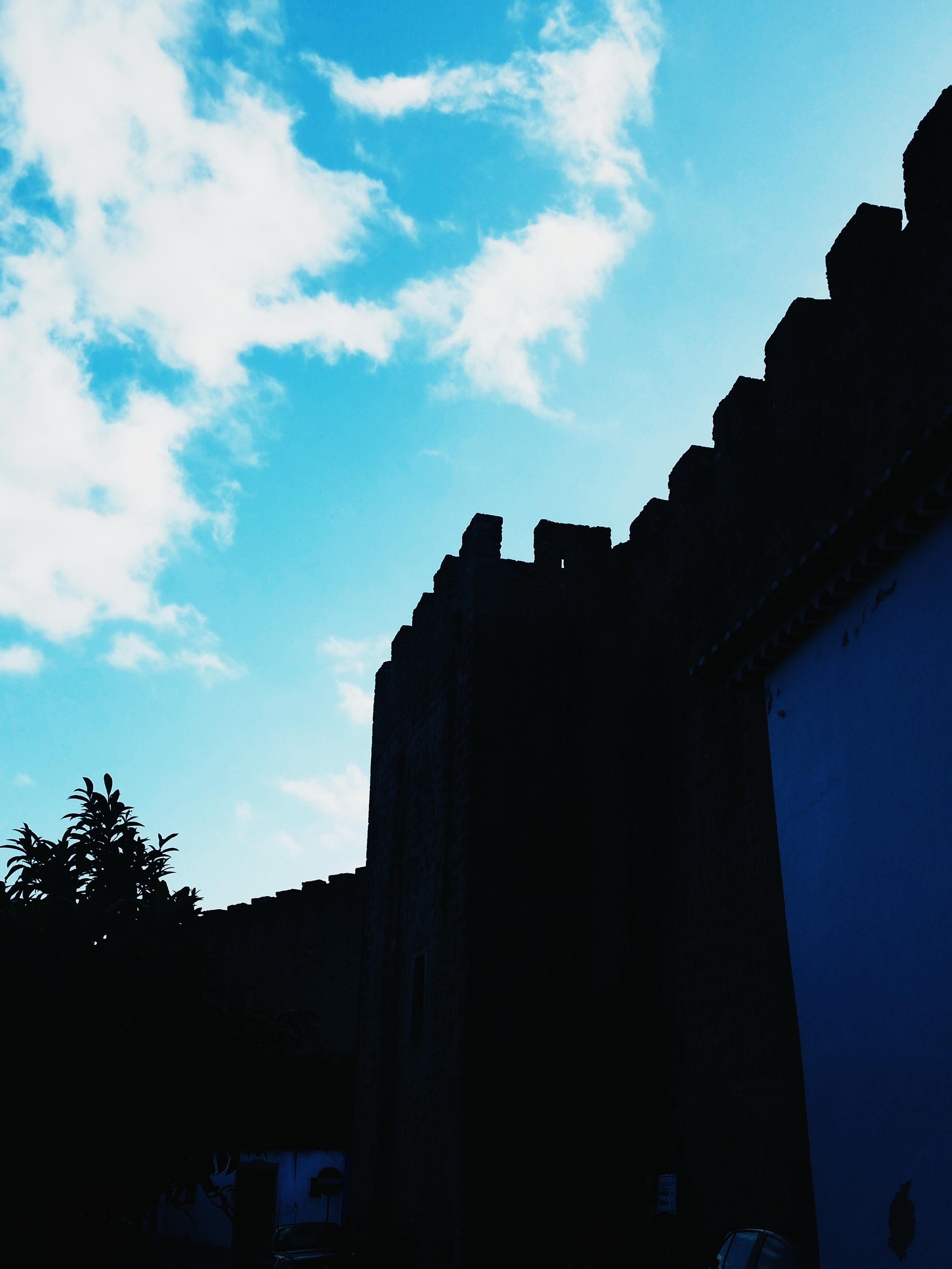 The Wall of Óbidos