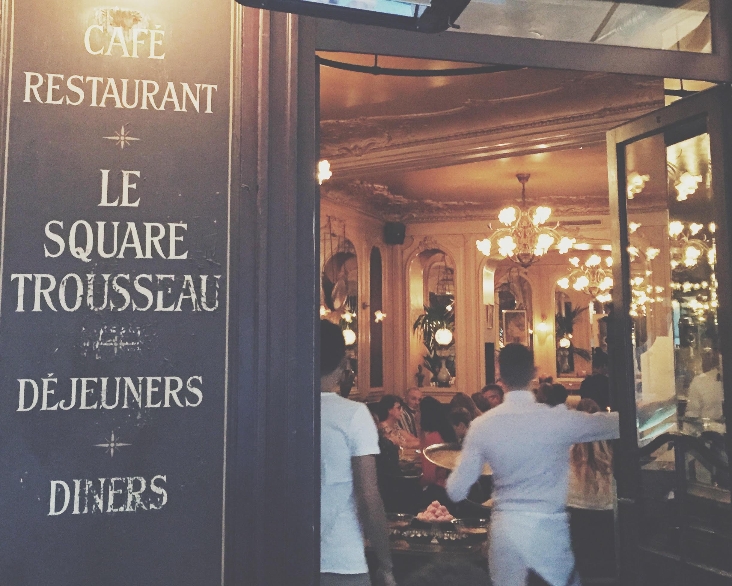 Le Square Trousseau