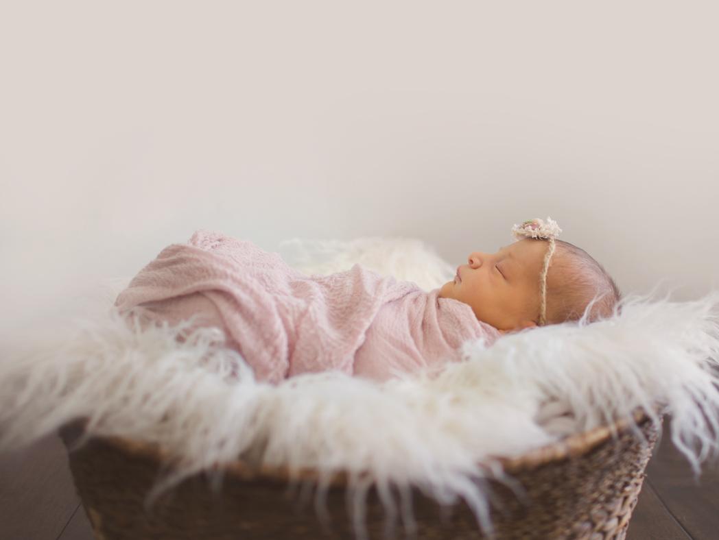 2018_MayaH_Newborn_Set01_-7.jpg