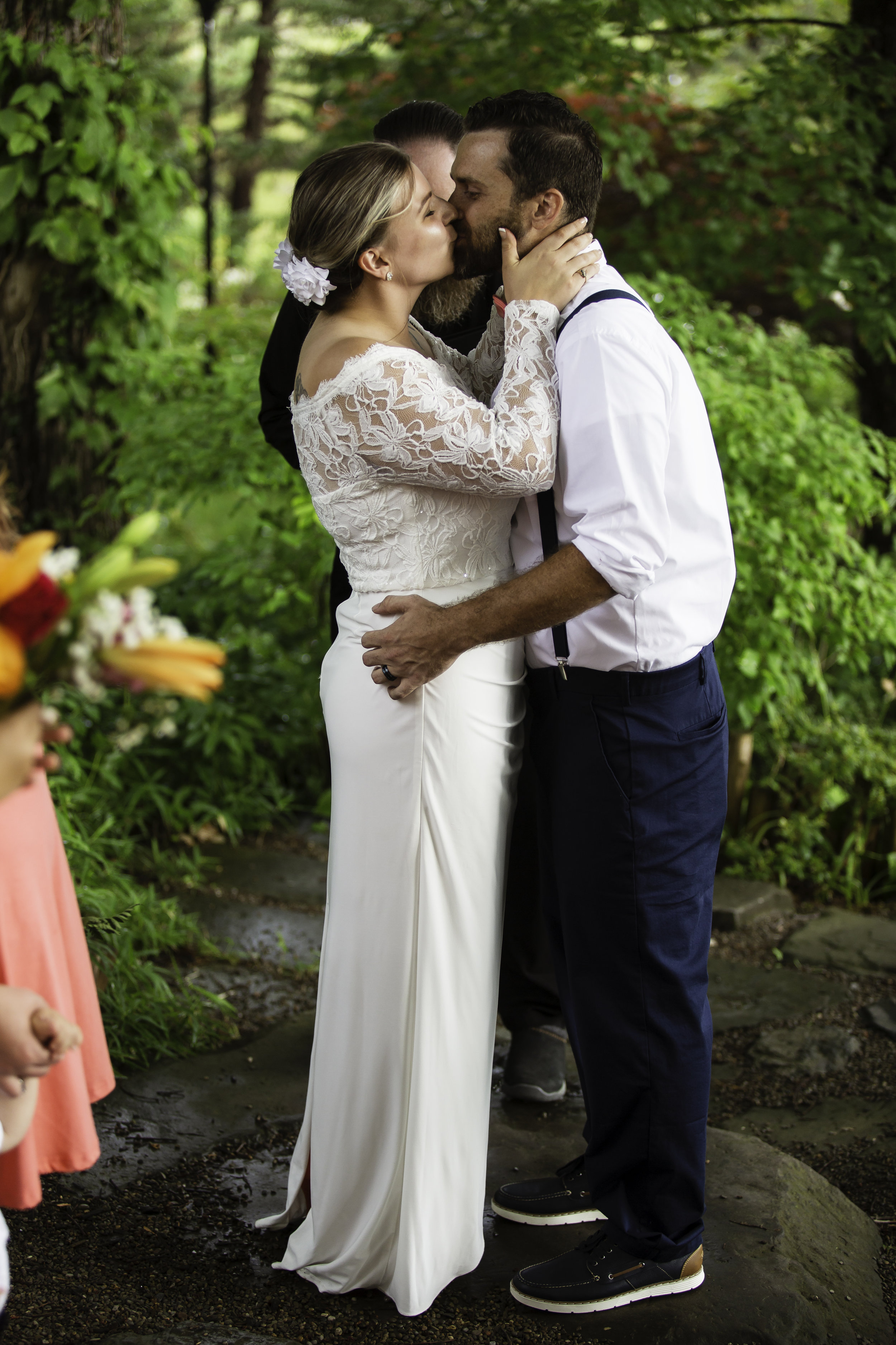 BRANDEE&MATT-FIRSTKISS.jpg