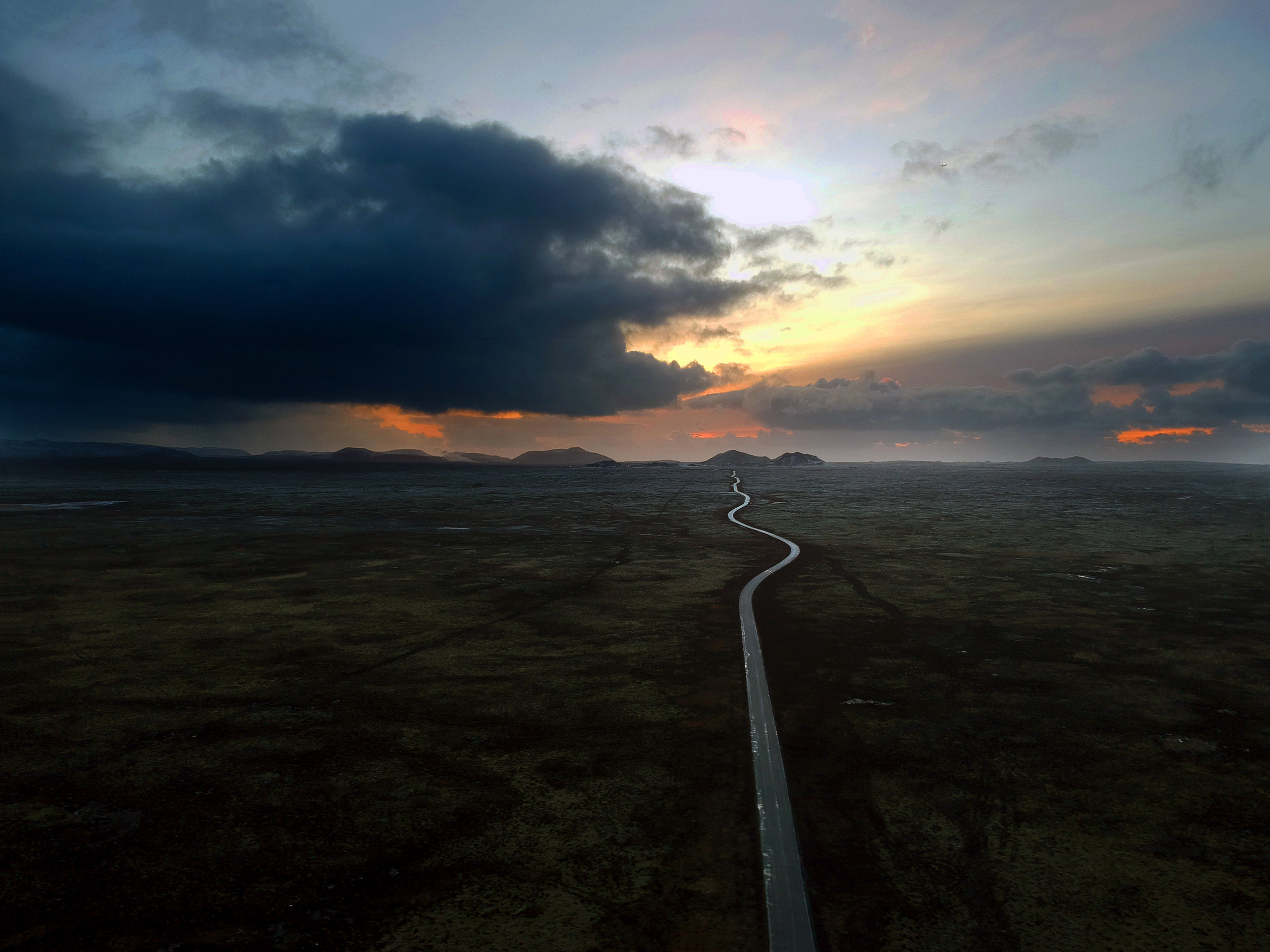 Endless Iceland Road 001.jpg