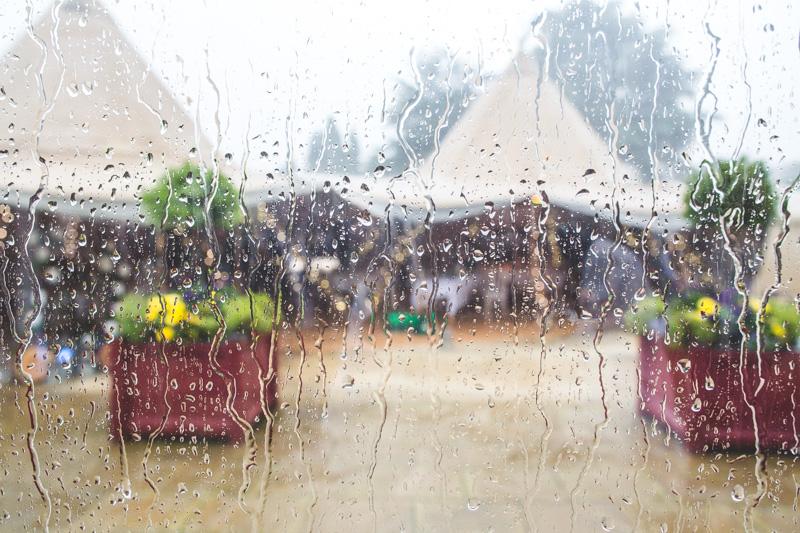 wet-wedding-7.jpg