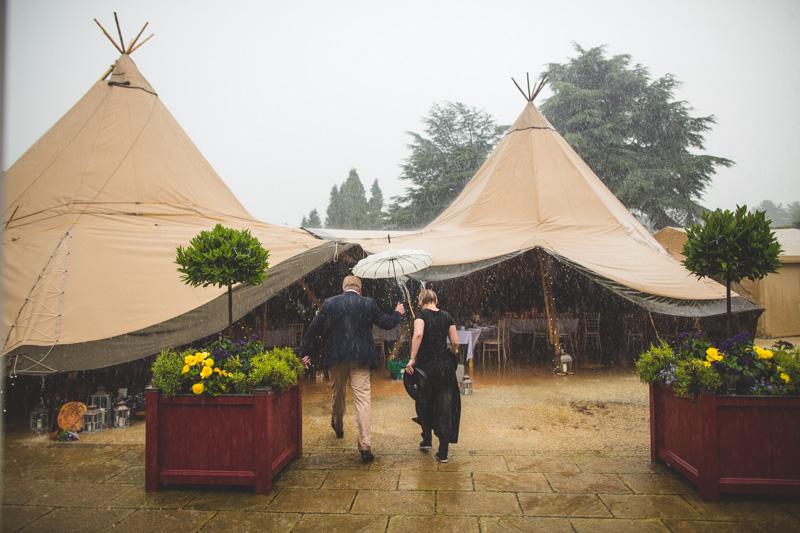 wet-wedding-10.jpg