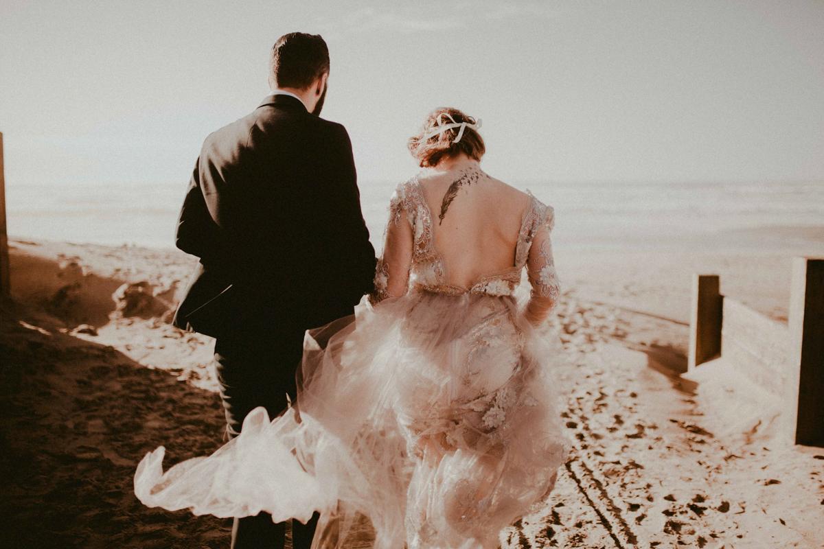 beach pre wedding shoot cannon beach oregon
