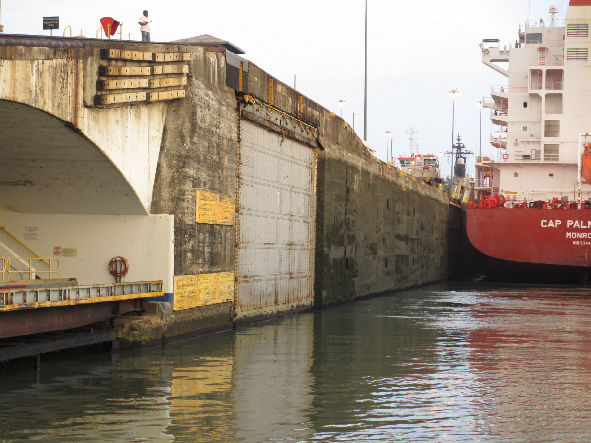 Panama Canal delivering a 65' Johnson