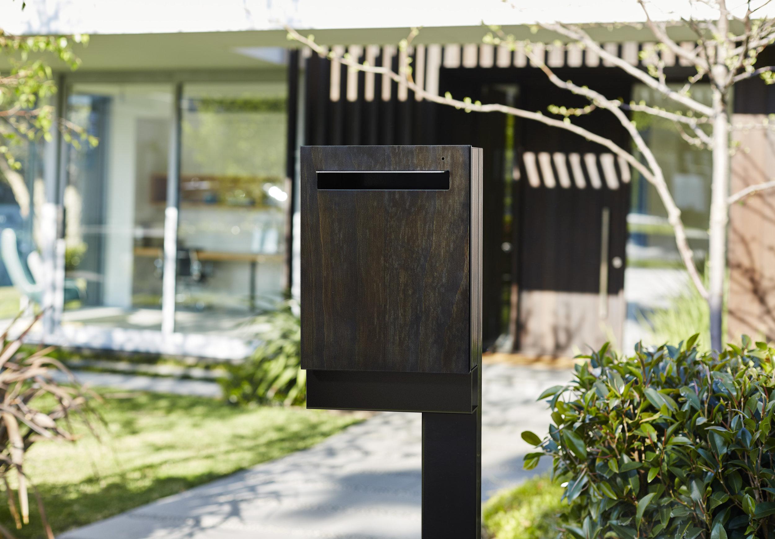 Javi - Large Post Mount Letterbox