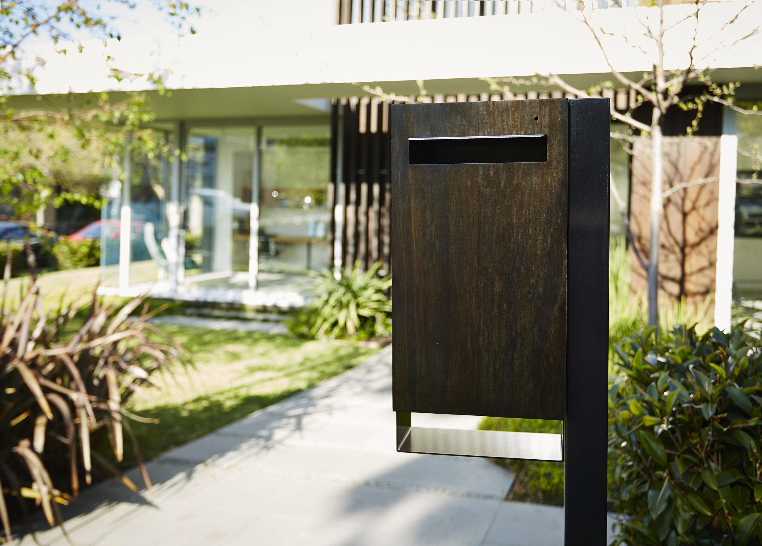 Javi - Post Mount Letterbox