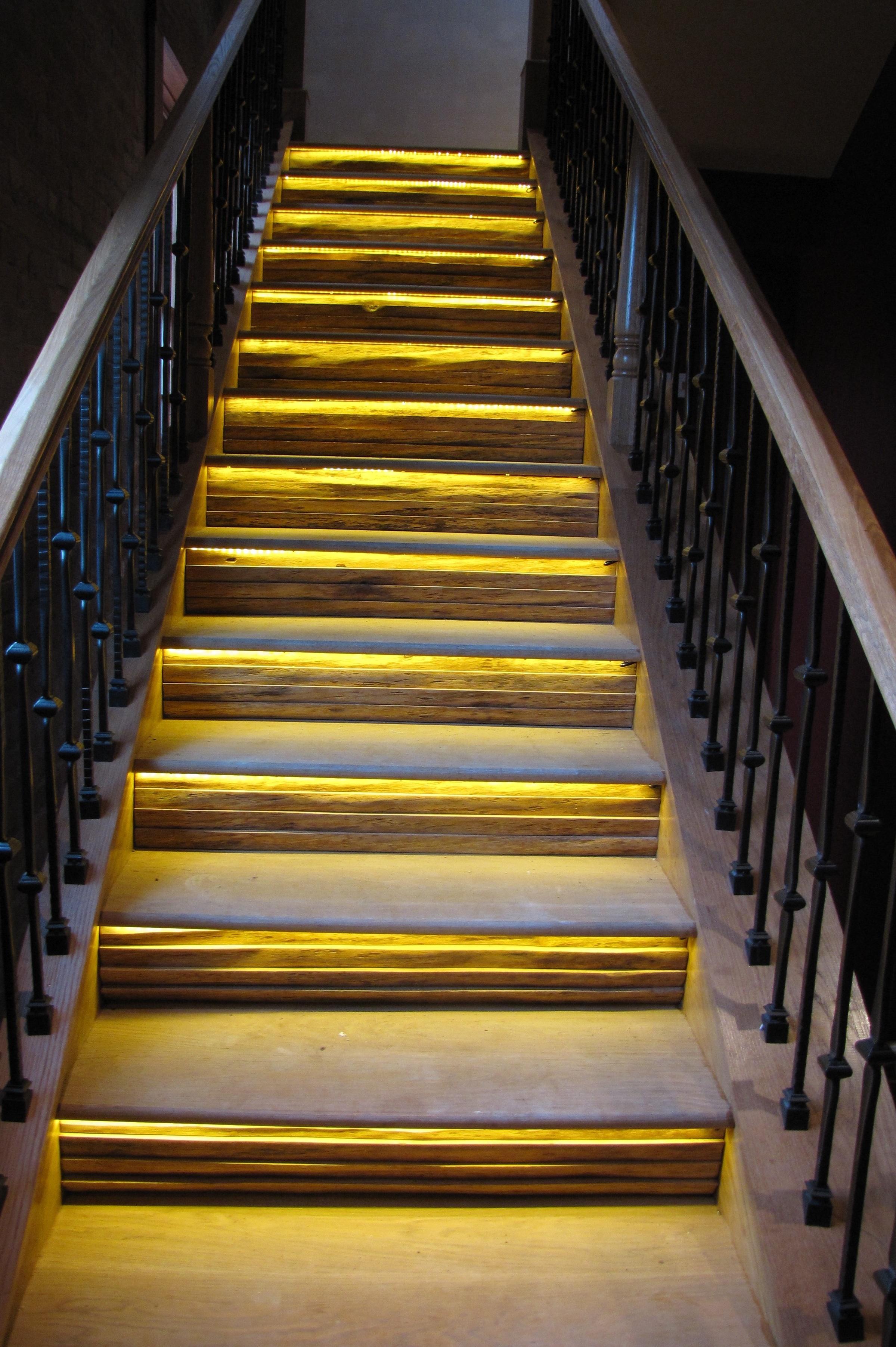 natirar underlit stairs straight lowres.jpg