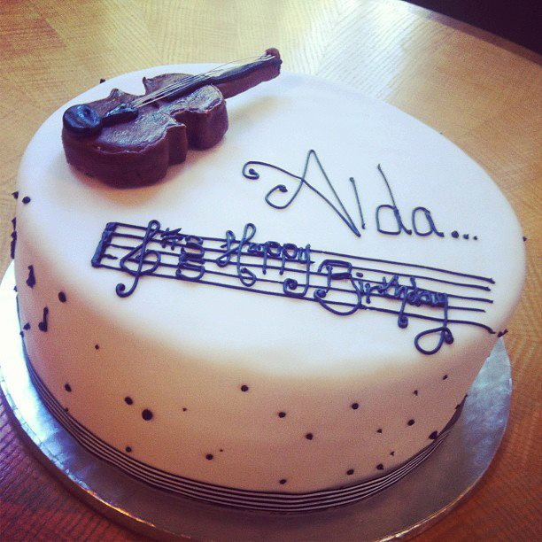 Violin birthday cake