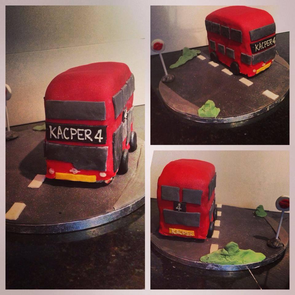 London Bus cake