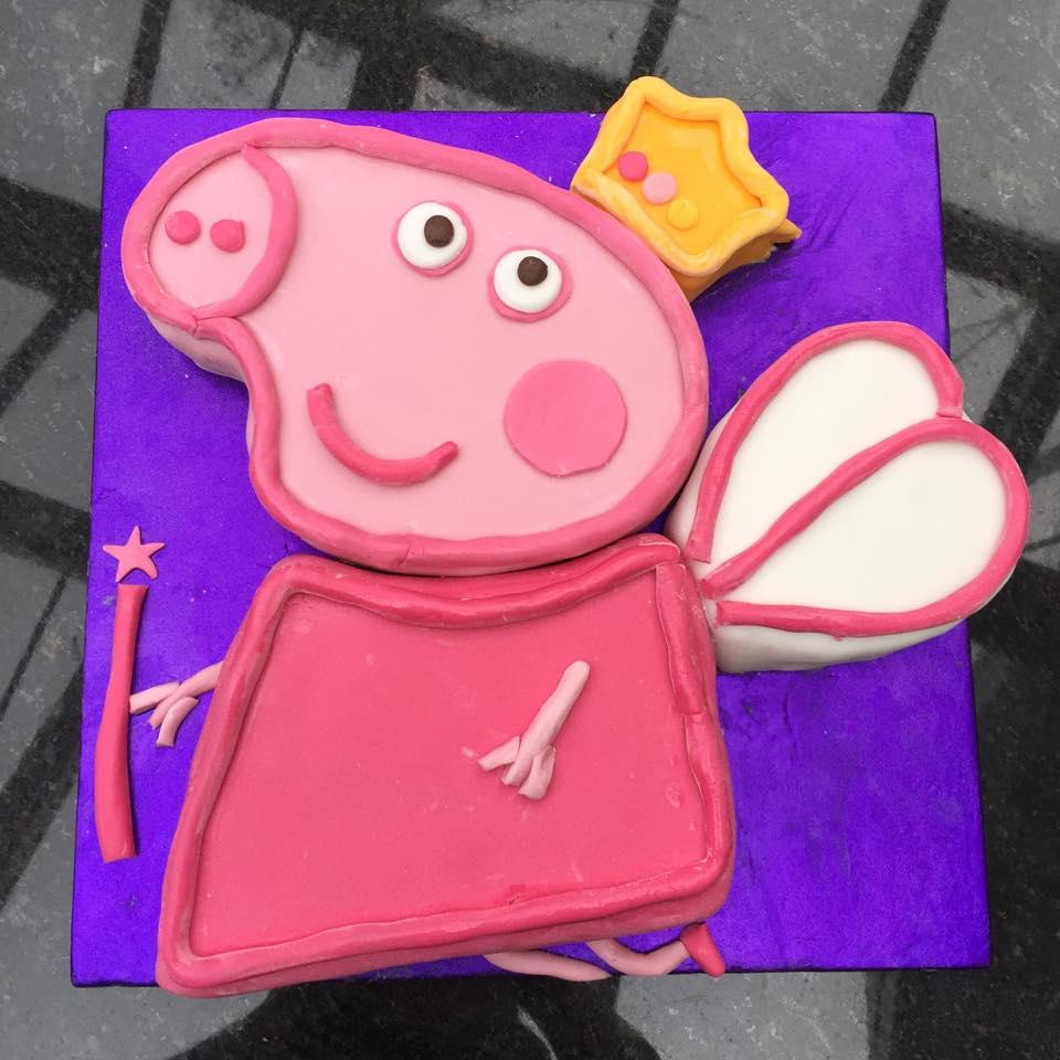 """""""Princess Peppa Pig"""" Birthday Cake."""